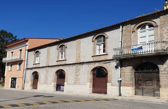 Locali Commerciali in Corso Lucenteforte a Venafro