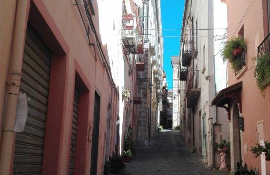 Locale nel centro storico di Venafro