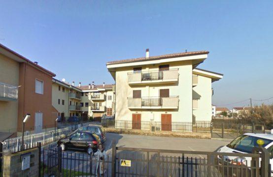 Appartamento in Via S. Giulio Frontino