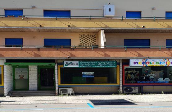 Locale commerciale su Corso Campano dir. Napoli