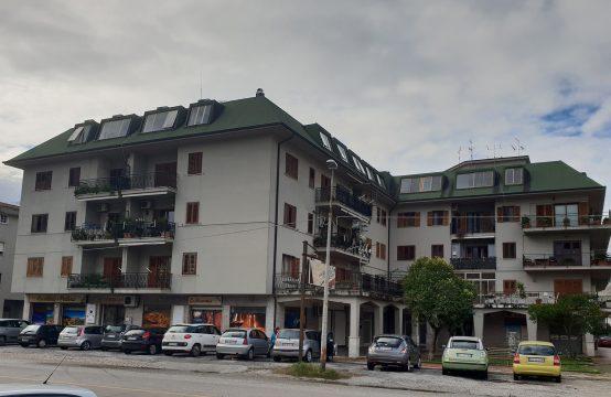 Appartamento con garage su Via Campania