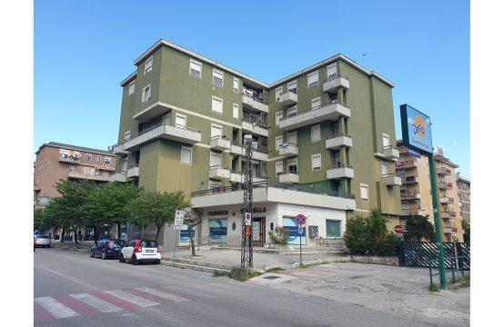 Appartamento su Via Colonia Giulia